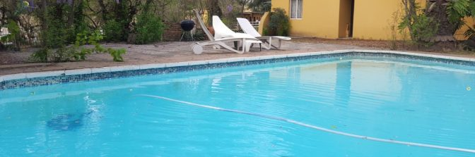 cropped-swimming-pool.jpg